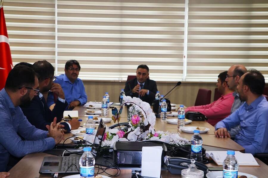 """Erzurum'da """"Dijital Ekonomi-Geleceğin Meslekleri Komisyonu"""" Toplantı Yaptı"""