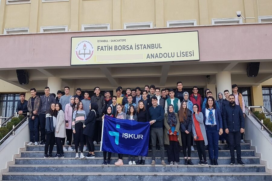 """İstanbul'da """"Meslek Seçiminin Önemi ve İş Arama Becerileri"""" Semineri Verdik"""