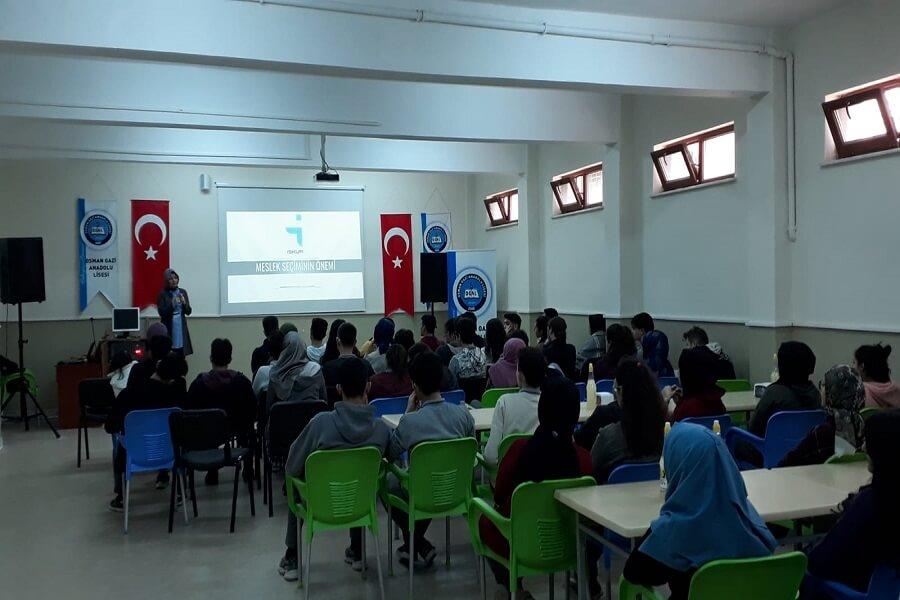 """Aksaray'da Öğrencilere """"Meslek Seçiminin Önemi"""" Semineri Verdik"""