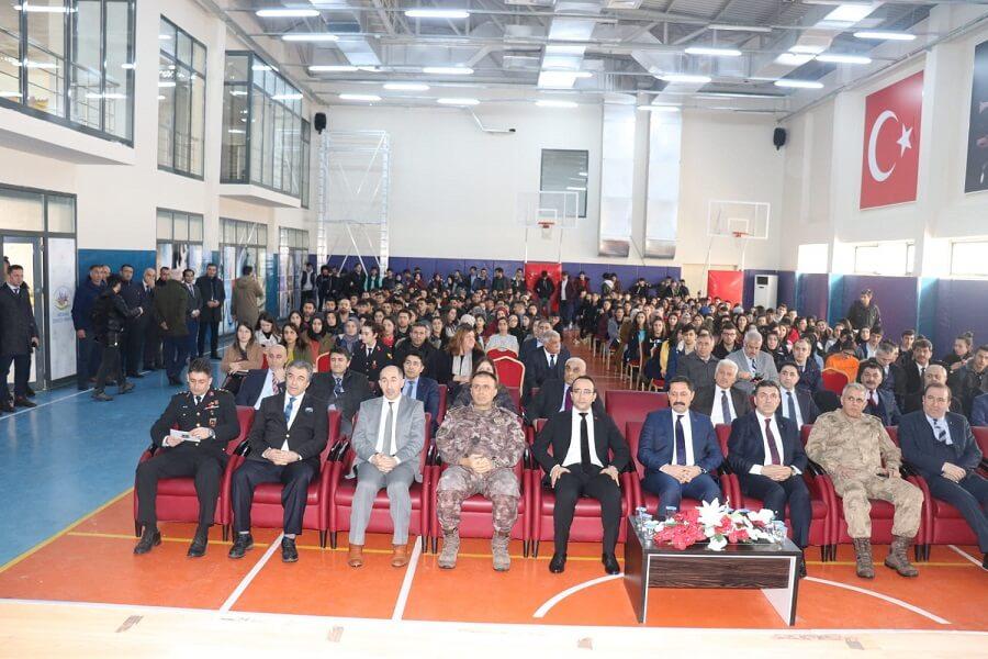 """Ardahan'da """"Meslek Tanıtım Günü"""" Etkinliği Düzenledik"""