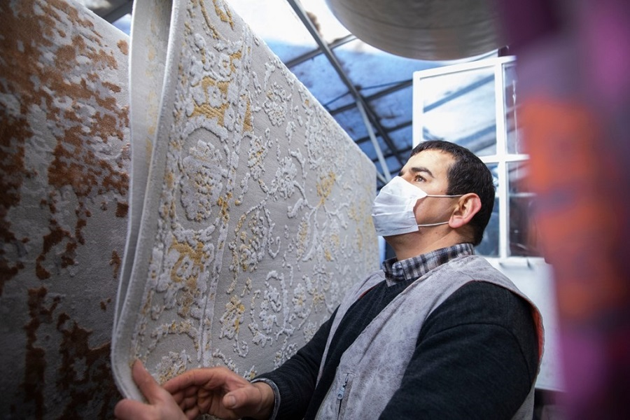 Hearing and speaking disabled Hüseyin earns his family's livelihood through the grant he takes from İŞKUR