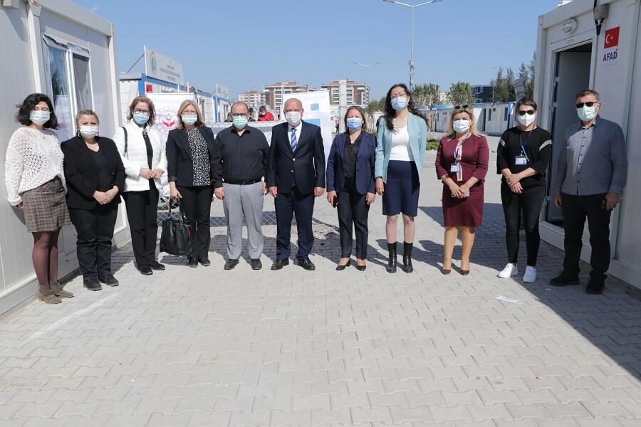 İzmir'de Depremzedelerin Yaşadığı Konteyner Kentte Mesleki Eğitim Kursları Başlattık