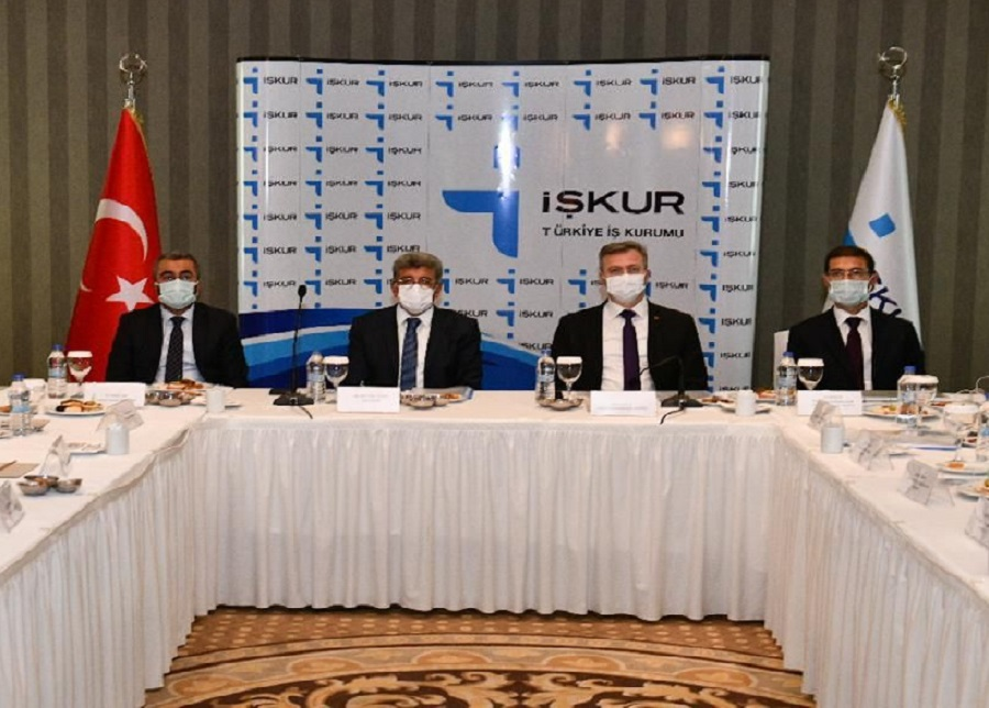 Genel Müdürümüz Bekir Aktürk Van'da İşverenlerle Bir Araya Gelerek Doğu Anadolu Bölgesi Koordinasyon Toplantısını Gerçekleştirdi